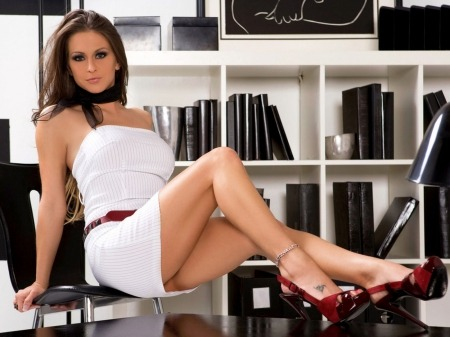 crypto news 16.1. sexy office woman