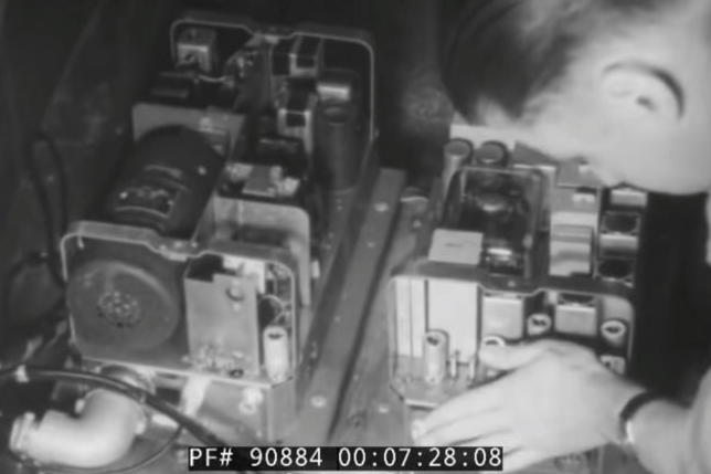 In USA they had their cell phones after the war. See how the manufacturer attracted them in 1949
