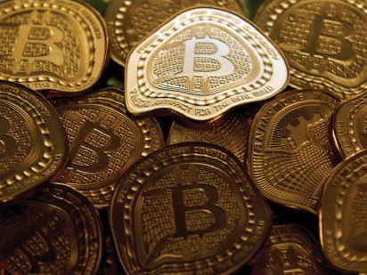 Can anyone destroy Bitcoin? 3 (un) probable scenarios
