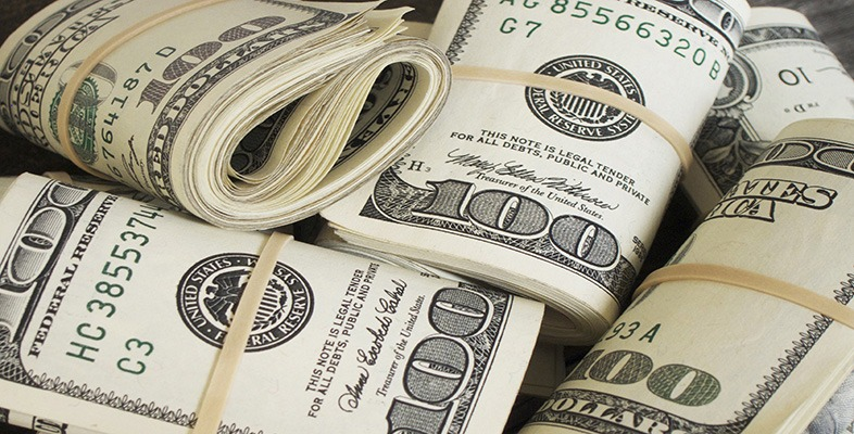 This image has an empty alt attribute; its file name is money-1.jpg