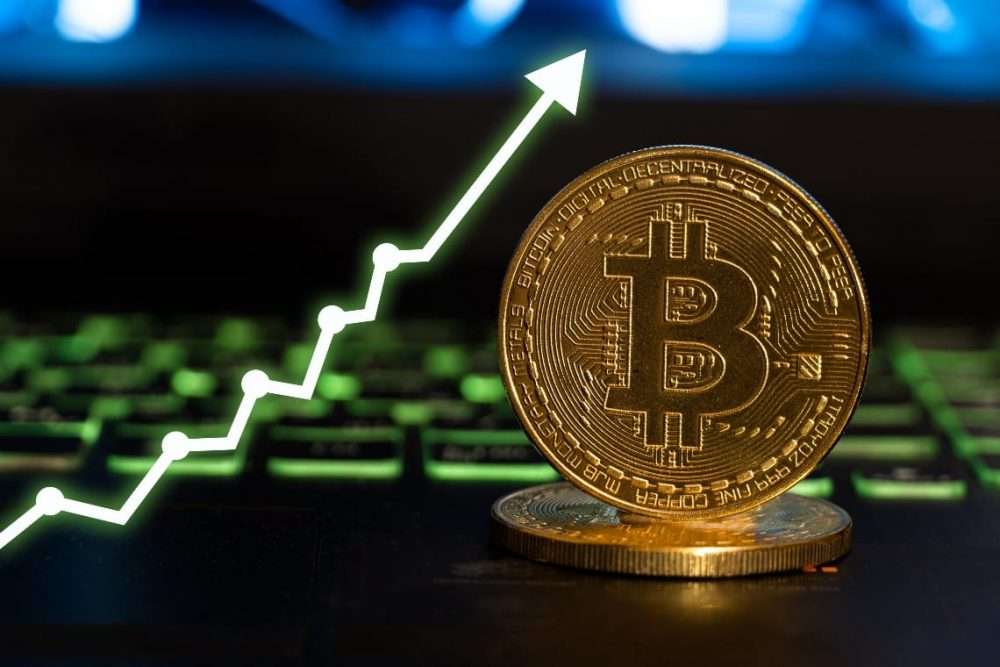 BTC hashrate is growing again at a record pace and other news [overview]